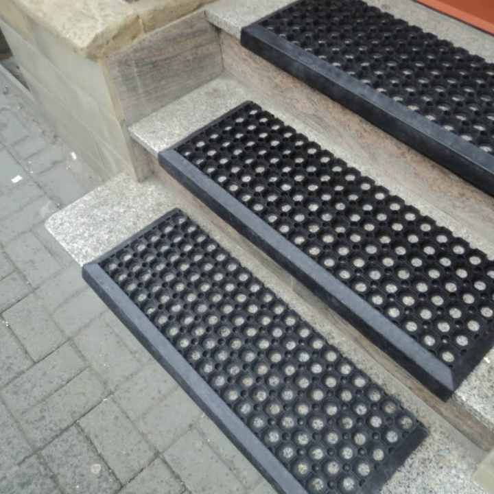 EU-Gumena Gazišta zastita za stepenice | Anti slip zastita | klizavanja| Gumene podloge