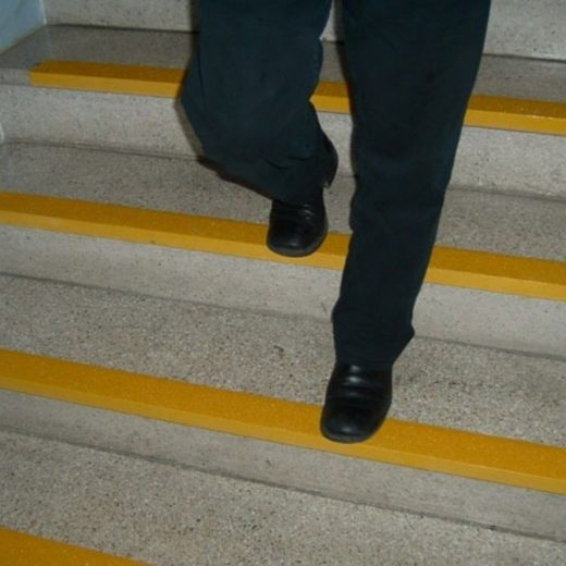 protiv klizne trake-grpp/stepenice i gazista-profesionalna